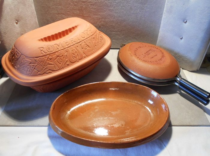 terracotta kitchen set / RÖMERTOPF casserole/ antique flat oval plate signed / meat grill