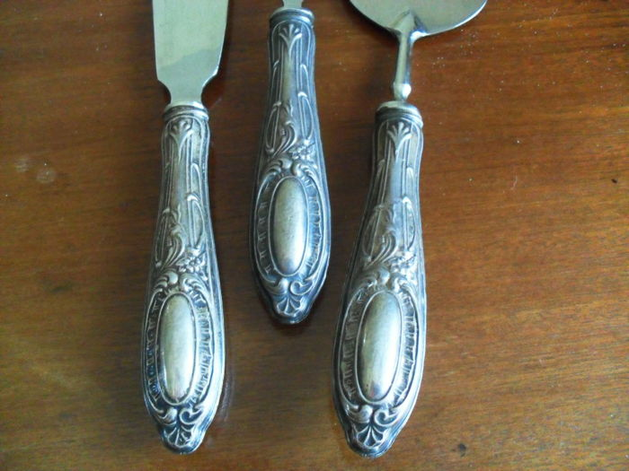 Vintage Dessert Cutlery Set of three pieces with handle in silver 800