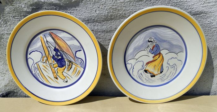 Henriot Quimper - Pair of decorative plates