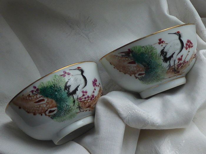 Hand painted porcelain bowls with Cranes - China - mid 20th century