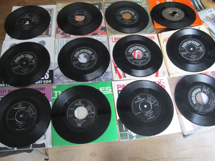 "Nice Lot with 10 singles 7"" of the Beatles all Parlophone Labelled"