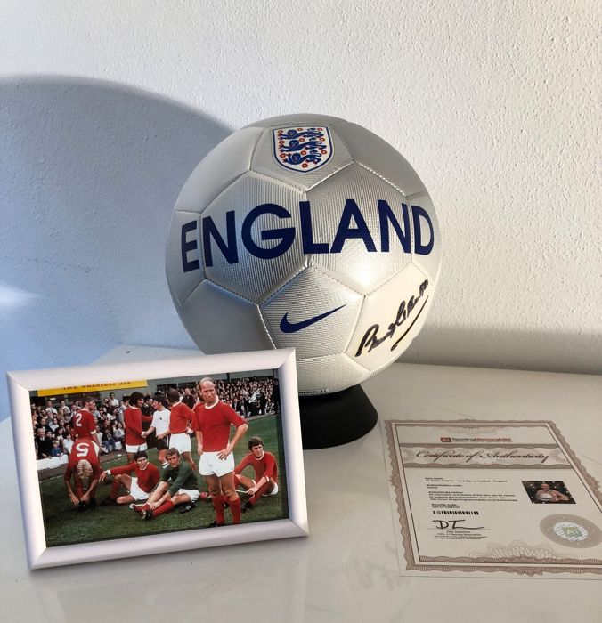 England legend Bobby Charlton Hand Signed Football England + Coa + framde photo