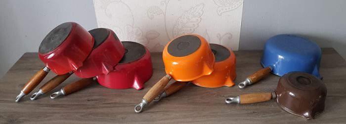 Le Creuset - 7 enamelled cast iron pans