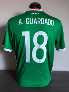 Andres Guardado signed Mexico home shirt 2016-2017 with photos of the moment of signing and COA