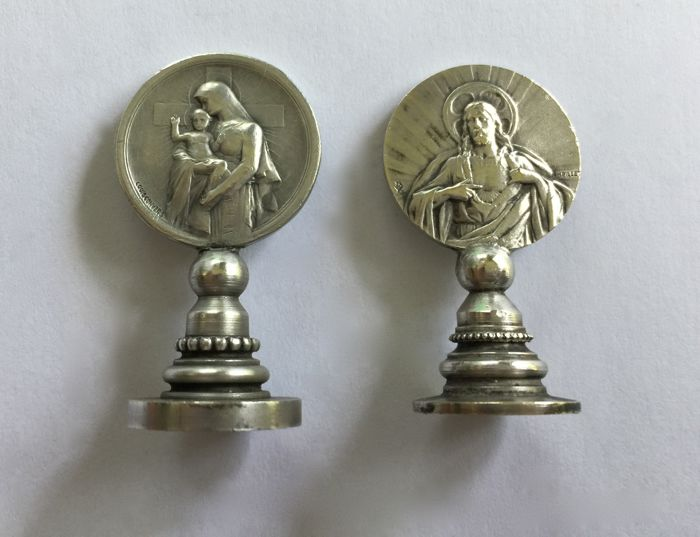 Pair of small religious seals - 1 in sterling sliver and 1 in silver-plated metal - Early 20th century France
