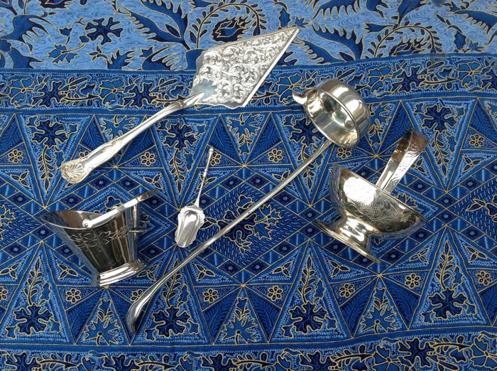 Lot of 5 silver-plated used objects