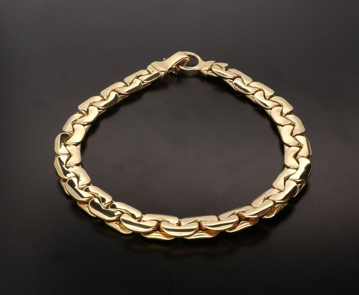 18 kt - Yellow gold exclusive Luna link necklace, Italian designer, marked with Brev. - Length: 37 cm - Weight: 68.17 grams