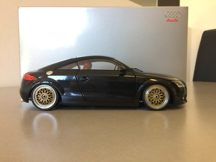 Audi - Scale 1/18 - Audi TT with aluminium BBS GT rims