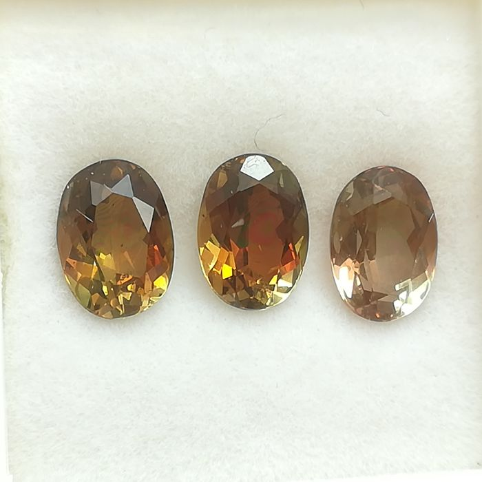 3 pcs  andalusiet - 3.04 ct