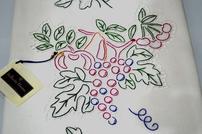 Spectacular extra pure 100% linen pair of curtains with cutwork and satin stitch grapes embroidery, entirely handmade