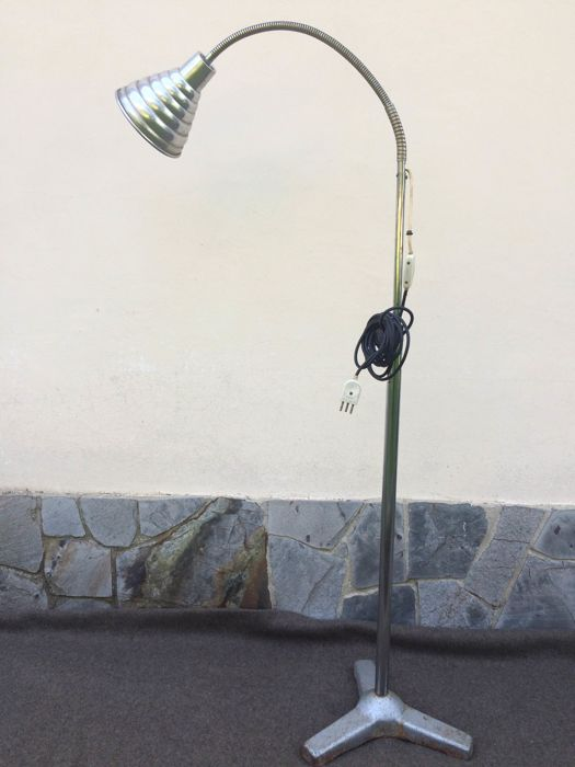 Adjustable lamp (164 cm) maybe from a doctor's surgery - early 1900 - Italy