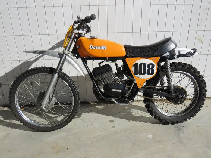 Benelli - Cross - Twin Shock - 125 cc - 1976