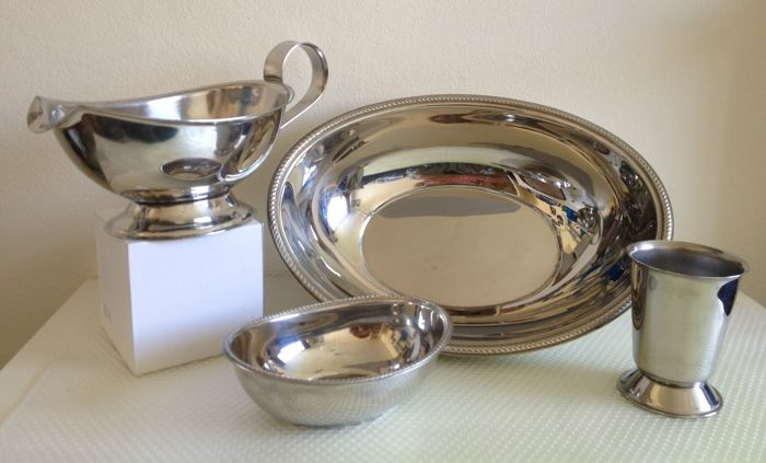 Alfra Alessi - 18/10 Two Serving Bowls, Gravy Boat and Vase