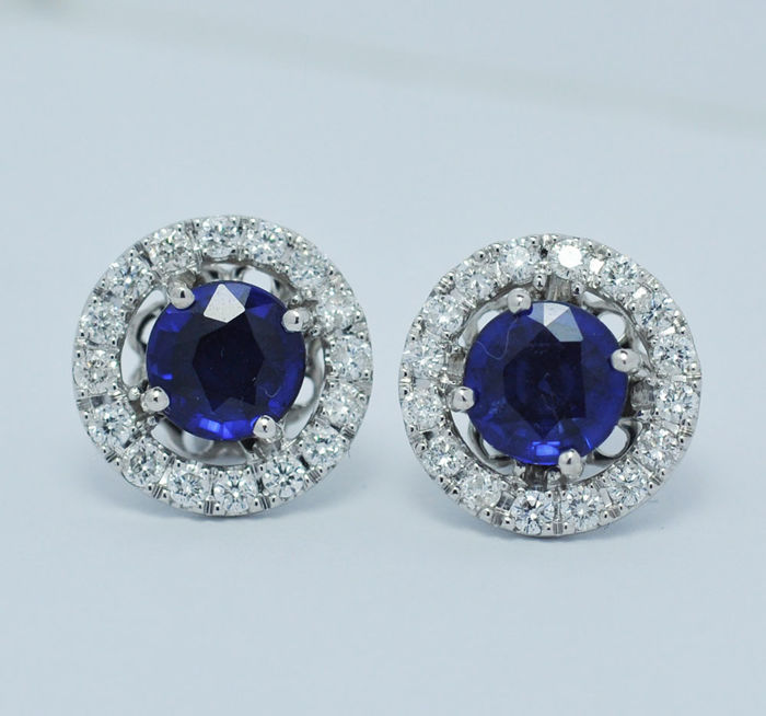 Earrings with blue sapphires and diamonds