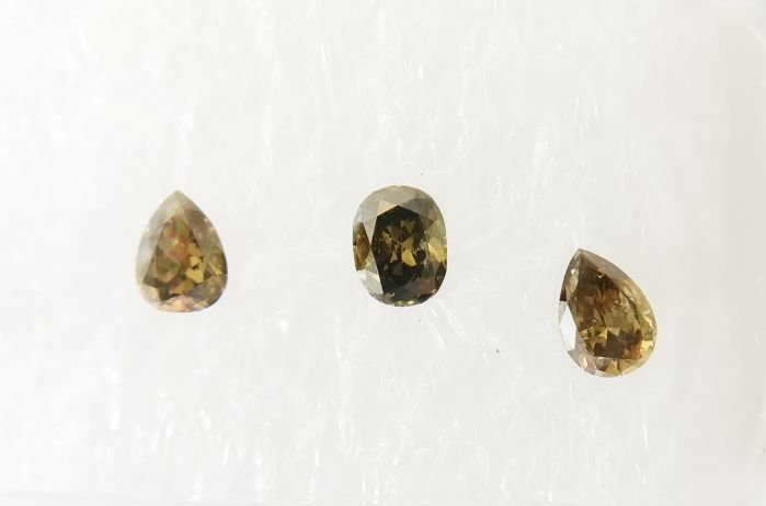 Triple of 3 Mix shape diamonds total 0.40 ct Fancy Deep Brownish Green SI1-SI2 *** No Reserve ***