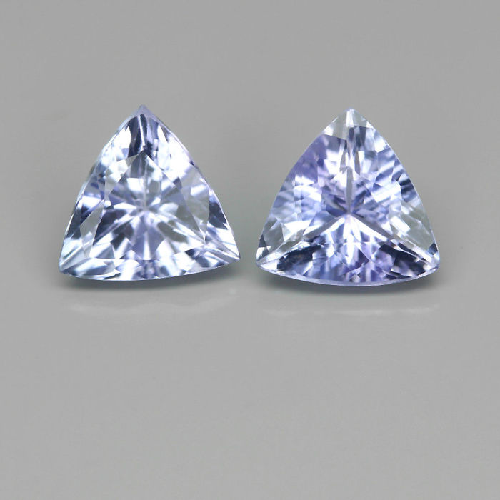 Pair of tanzanites of 1.22 ct in total