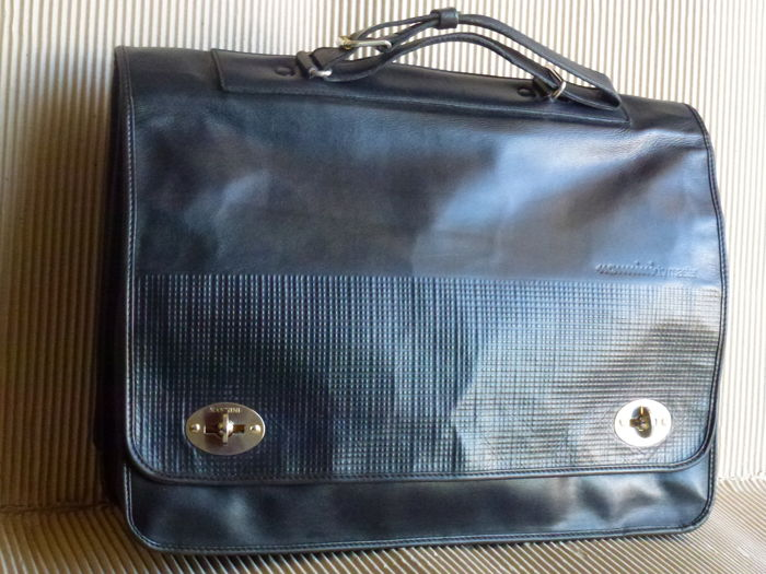 "Men's bag/briefcase in black leather with belt handle made by ""Nannini by Master"""