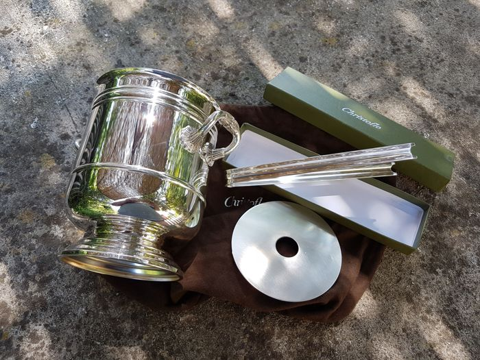 Christofle Paris - Silver-plated ice bucket with 'malmaison' tongs - 1st half of the 20th century, in very good condition