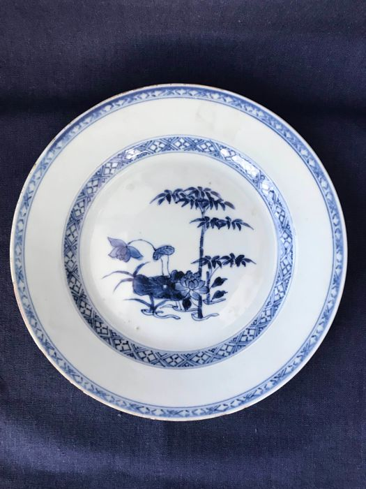 Chinese blue and white plate - Qianlong (1736-1796)