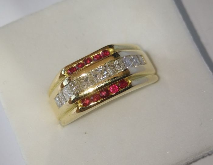 18 kt yellow gold ring - 1.17 ct diamond 0.12 ct rubies