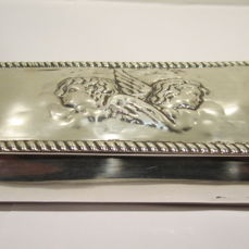 An Edward VII silver box - William Neale - Chester - 1902
