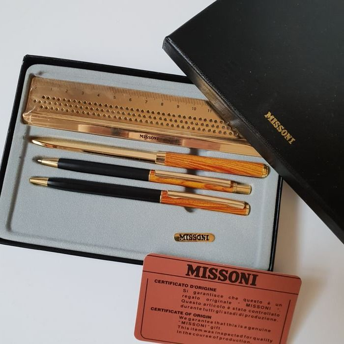 MISSONI - Vintage - New desk set with certificate Italy - golden colour and wooden metal