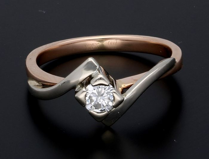 14 kt, Bi-colour gold ring with diamond - Ring size 17.75 mm