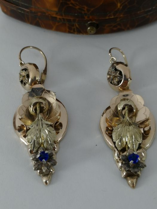Bourbon earrings in 12 kt gold (low grade), Sicily, first half of the 800