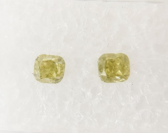 Couple of 2 Cushion cut diamonds total 0.64 ct Fancy Green Yellow SI *** No Reserve ***