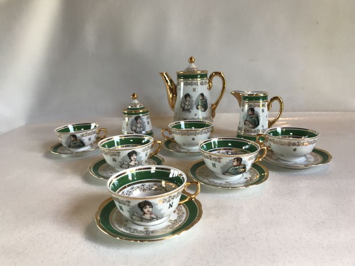 Coffee set 15 pieces in 'Porcelaine de Luxe de France' with the effigy of the Emperor Napoleon and the Empress Josephine
