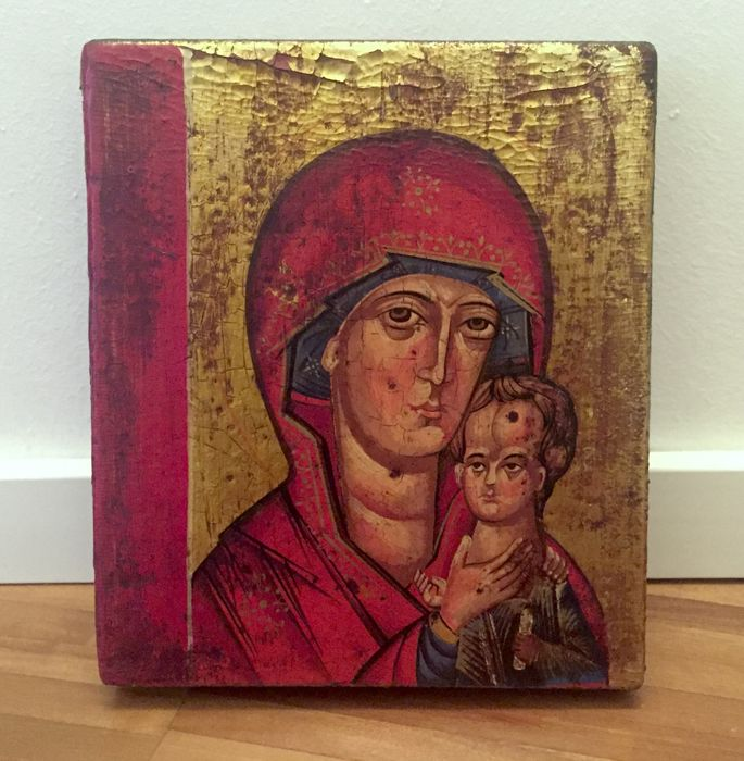 Ancient Russian icon depicting Virgin of St. Peter with Child (Gold and Tempera on wood) - 14th century