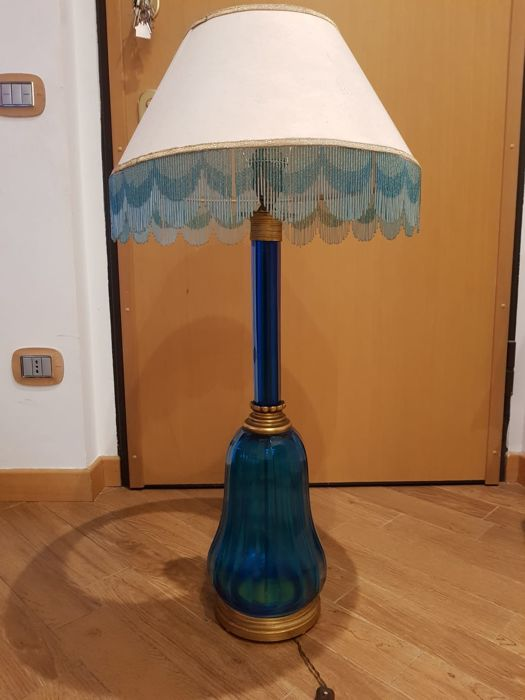 Empire Style - Lamp in blue glass with shade - Octagonal shape base in brass and glass - height 93 cm, Italy, 1900 ca.