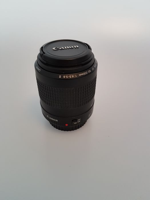 Canon EF 80-200mm Zoom 1:4.5-5.6 II lens