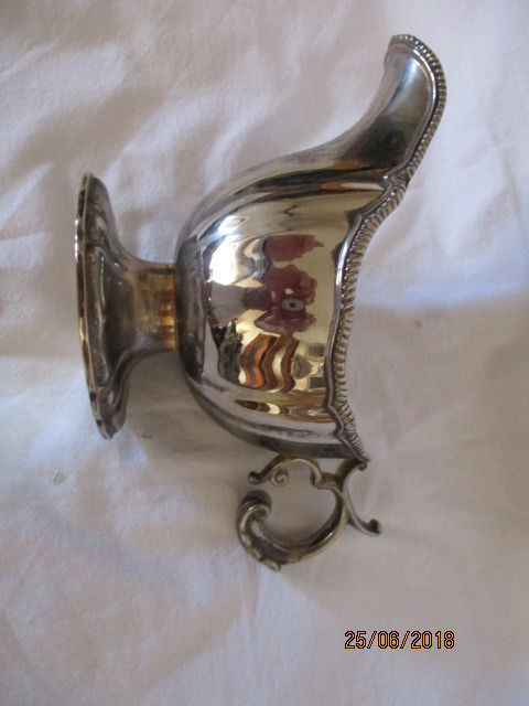 Beautiful gravy boat - very antique - silver plated
