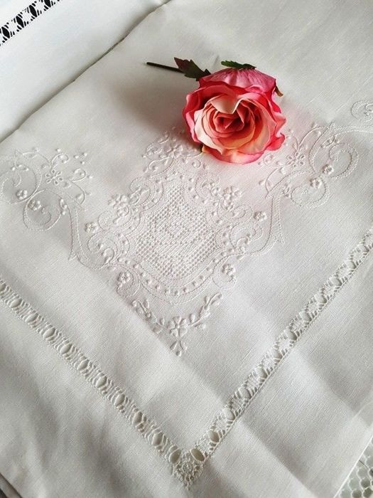 Museum-quality piece, 100% pure linen double bed sheet with handmade satin stitch embroidery and peahole unstitched hem (Sicilian 'sfilato' technique)