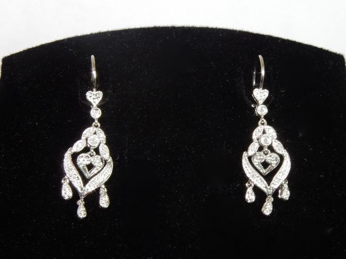 Pendant earrings hearts chandeliers in gold with diamonds 0.16 ct approx.