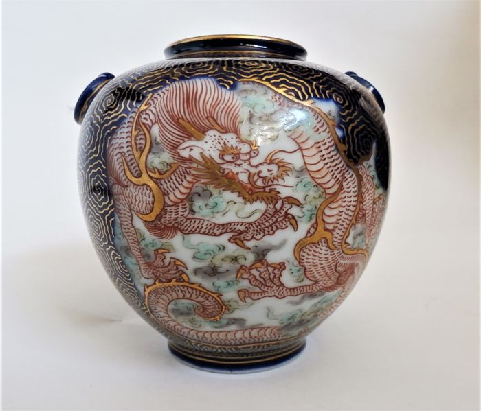 A Fine Fukagawa Vase Japan Ca 1925 30 Late Taisho Early Showa