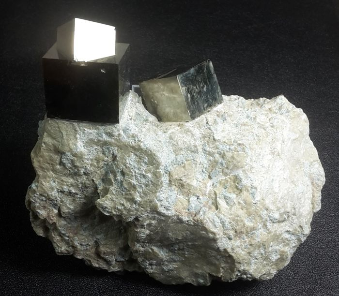 Pyrite Crystals on matrix - 9.5 x 8 x 3 cm - 269 g