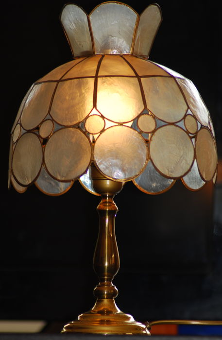Tiffany-style mother of pearl table lamp