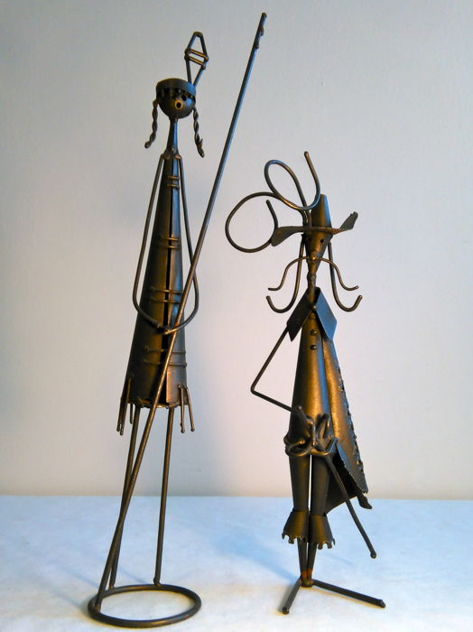 Nice pair of handmade sculptures made of wrought iron - Indian girl and musketeer - 1970, Italy - iron