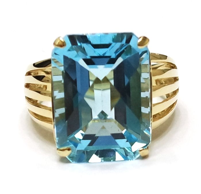 Huge 14CT Yellow Gold 12 20 cts Octagon Cut Blue Topaz Ring