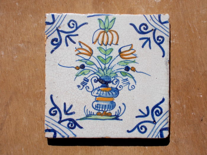 Rare, super intact tile with flower vase, Holland, ca. 1620-1640