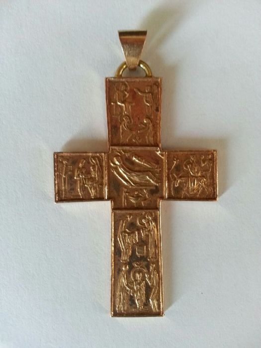 Old Egyptian Coptic cross in 24 kt gold