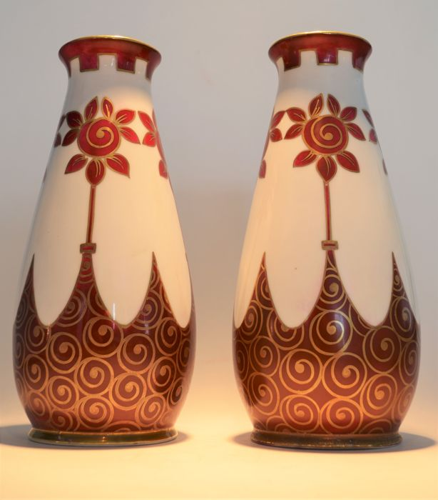 Manufacture de Porcelaine de Baudour (Cerabel) - Pair of Art Deco hand painted porcelain vases