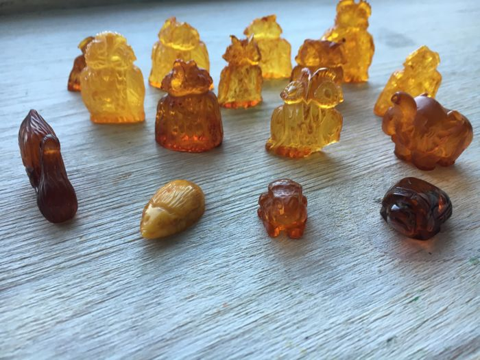 Big Set ( 15 pieces) of Vintage natural Amber carvings of animals.