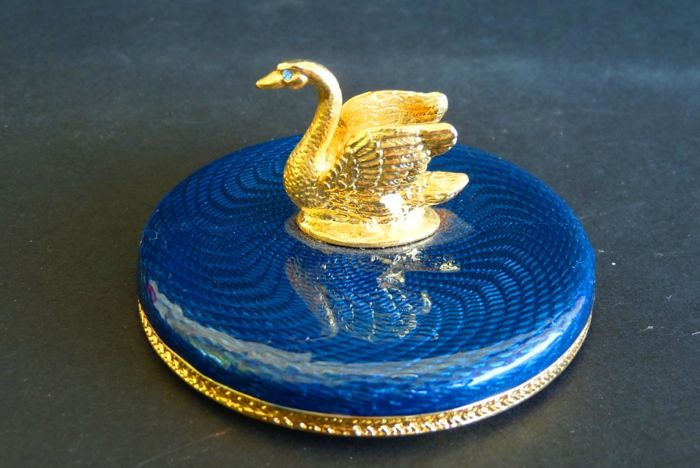Faberge Imperial 'Le Cygne' - Rhinestones - Enamel - 24K gold plated - Signed