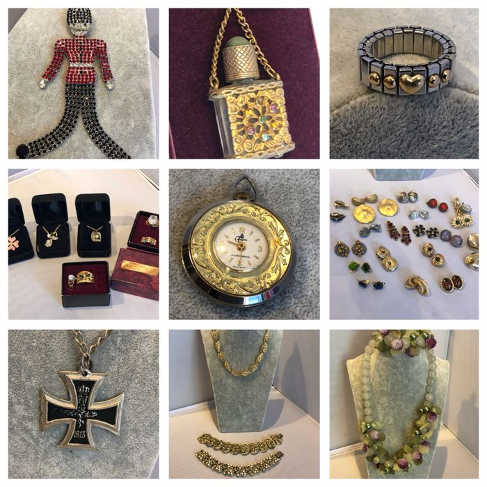 Great vintage lots of branded jewellery 18k Gold Silver Ciro  utler and Wilson liberty Trifari Ciro coro loads named all vintage
