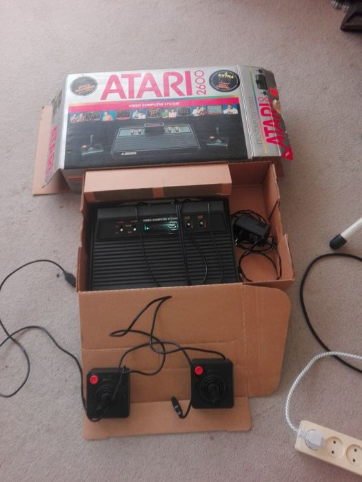 Atari 2600 boxed with 5 games