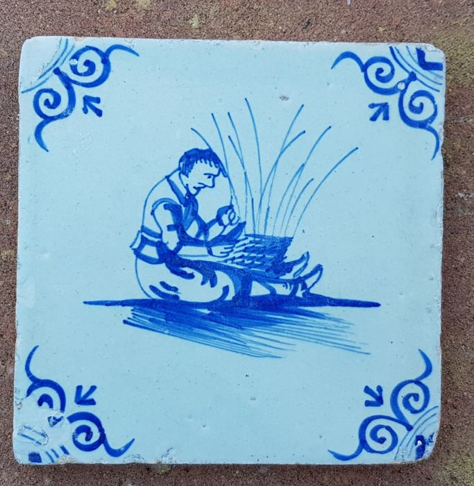 Tile with a wicker man, special depiction