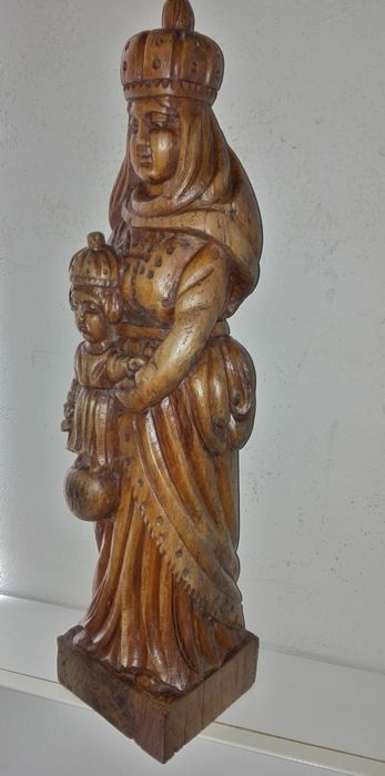 Large, heavy wooden sculpture of a crowned Madonna with infant Jesus - circa 1900 / early 20th century Normandy / Brittany - France